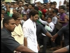 Amitabh and Abishek Bachchan mobbed at Rajesh Khanna's funeral.